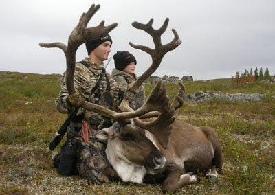 caribou hunting manitoba