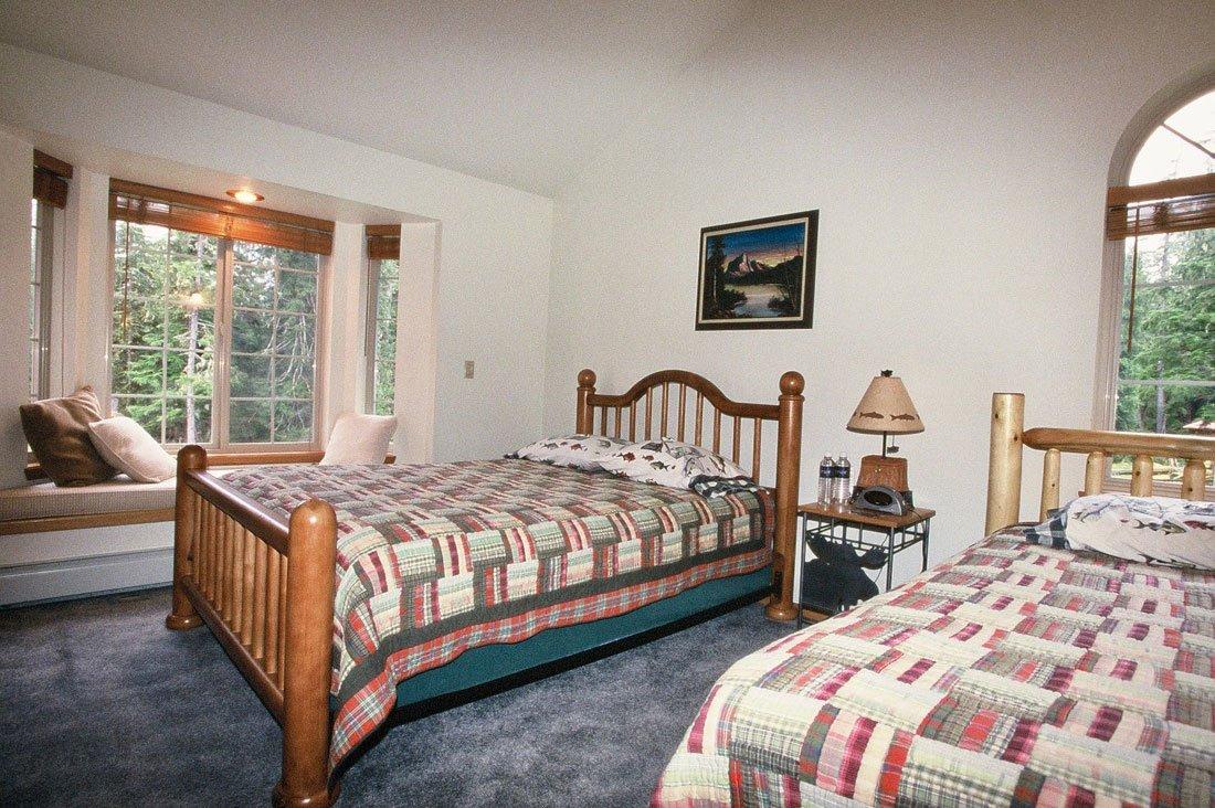 Alaska Lodge 2