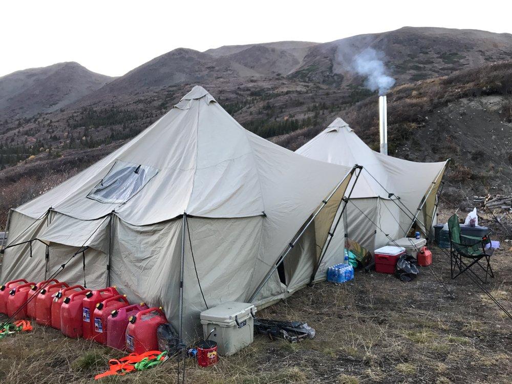 Canadian Moose and Caribou Hunt Lodge